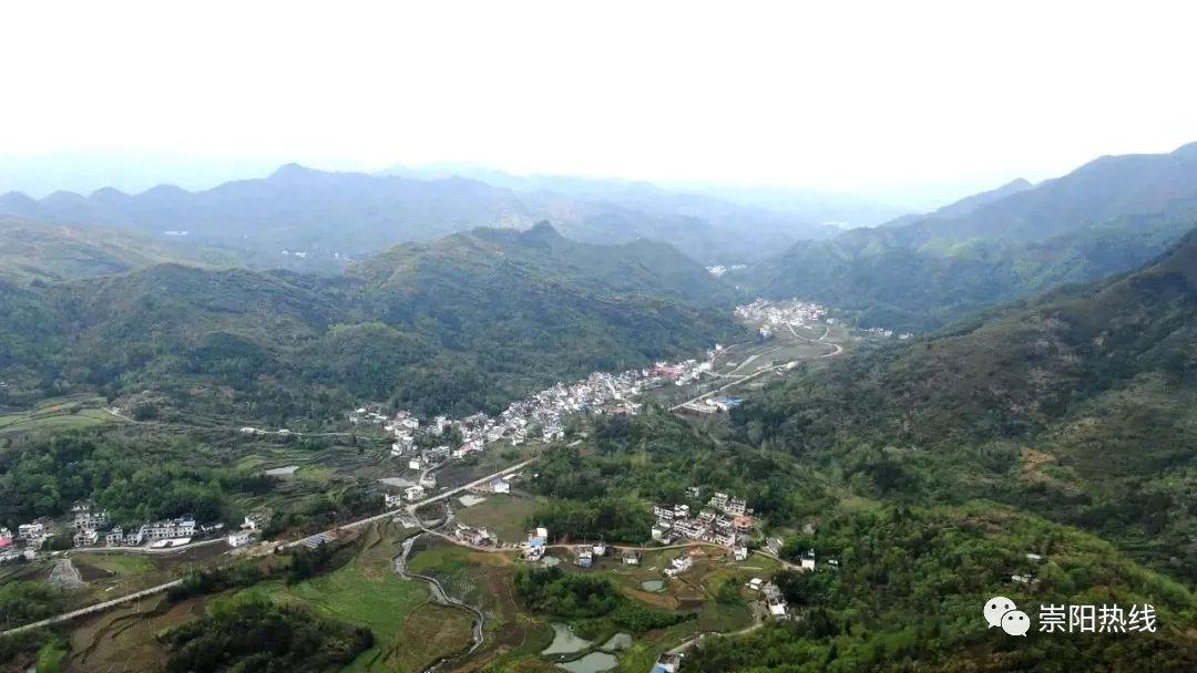崇阳老胡洞村边远山村通了旅游路